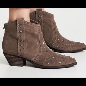 Sam Edelman short Suede boots western style beige